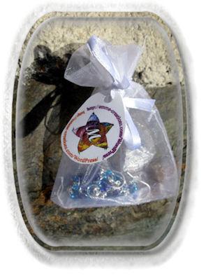 Boucles d'Oreilles argenté avec petites perles bleues