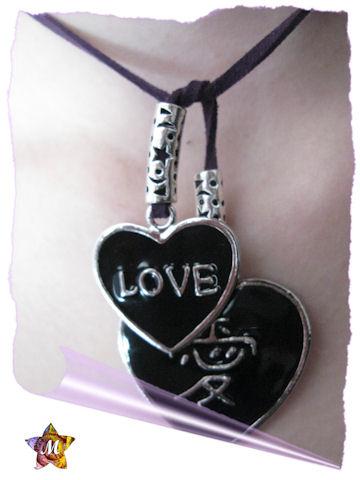 Collier violet coeurs noirs