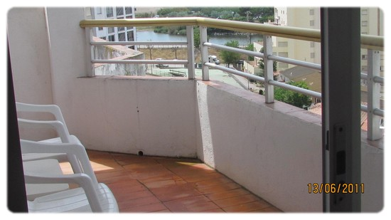 http://sd-1.archive-host.com/membres/up/133917233040018234/ROSAS/empuriabrava-hotel-3.jpg