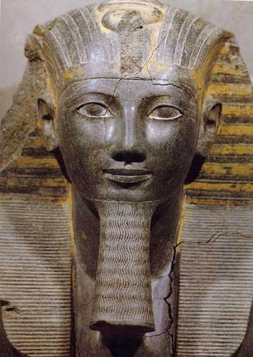 http://sd-1.archive-host.com/membres/up/756393900/peupleoublier/pharaons12.jpg